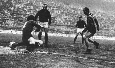 Addio Mariolino Corso, genio e calzettoni abbassati nella Grande Inter. Il 'mancino di Dio' se n'è andato. Video. Foto