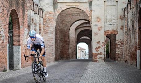 Campionato italiano nel Veneto, Pozzato manager e Viviani fa il test: ecco il tour tra le città murate, la Rosina e il pavé della Tisa. Foto e grafiche