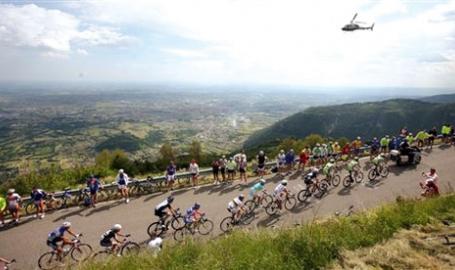 Il Grappa sempre al centro del ciclismo che conta: Possagno e Asolo credono nel Giro con Canova all'occhiello. E a Riese il cross approda al mussodromo